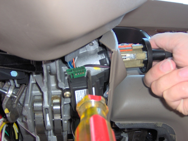 Service Manual  Change Ignition On A 2009 Lincoln Town Car